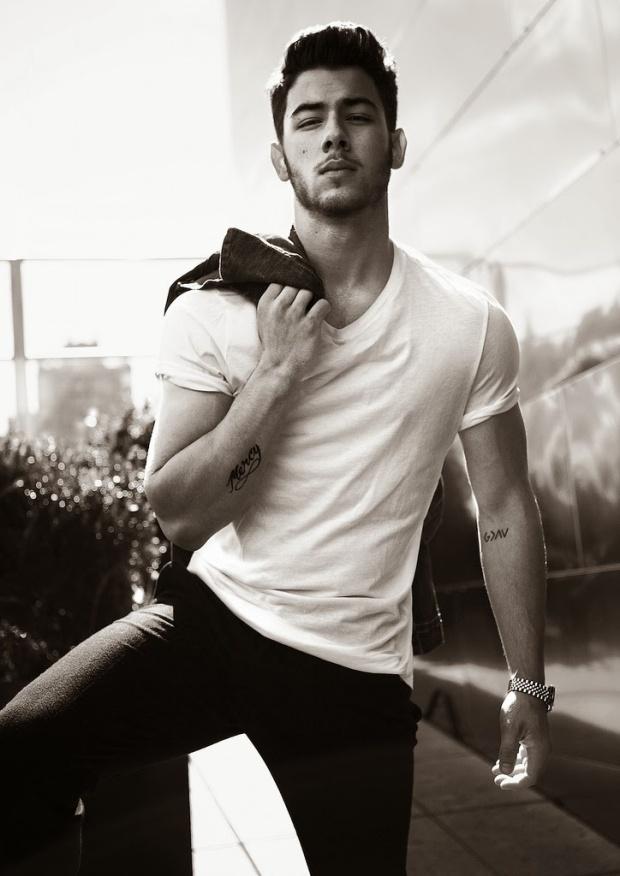 Jonas brothers p out magazine gossip boy - Fotografia desnudo masculino ...